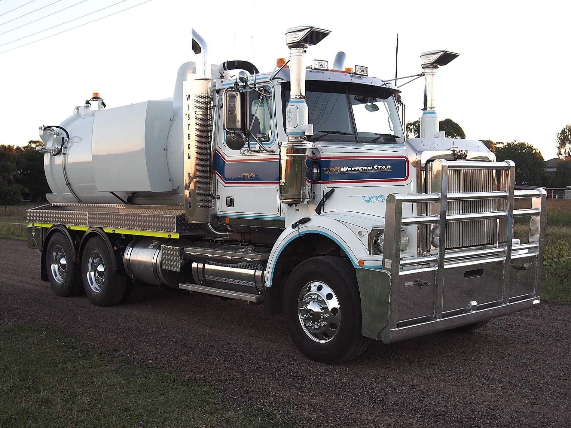 Industrial Vacuum Truck5