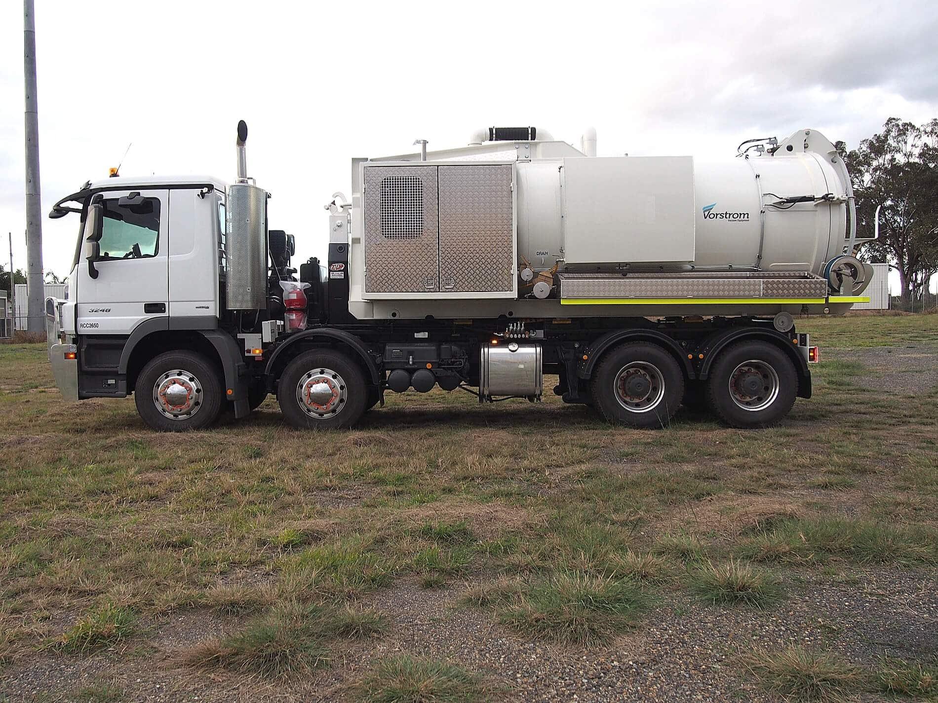 industrial vacuum truck6