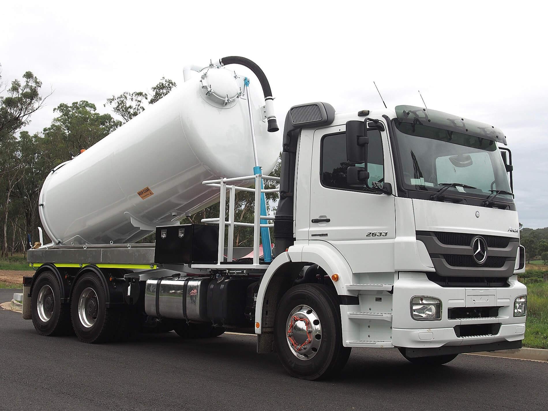 Liquid Vacuum Truck