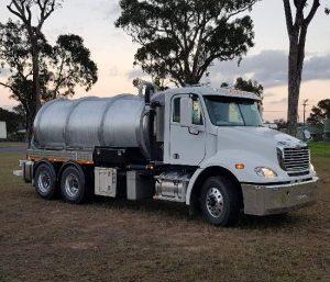liquid vacuum truck 2